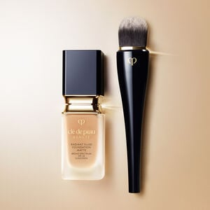 Light Coverage Foundation Brush,