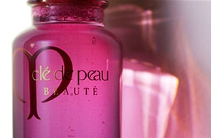 Radiant Multi Repair Oil使用方法 | Clé de Peau Beauté
