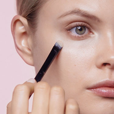 How-to videos. Learn skincare & makeup application tips.